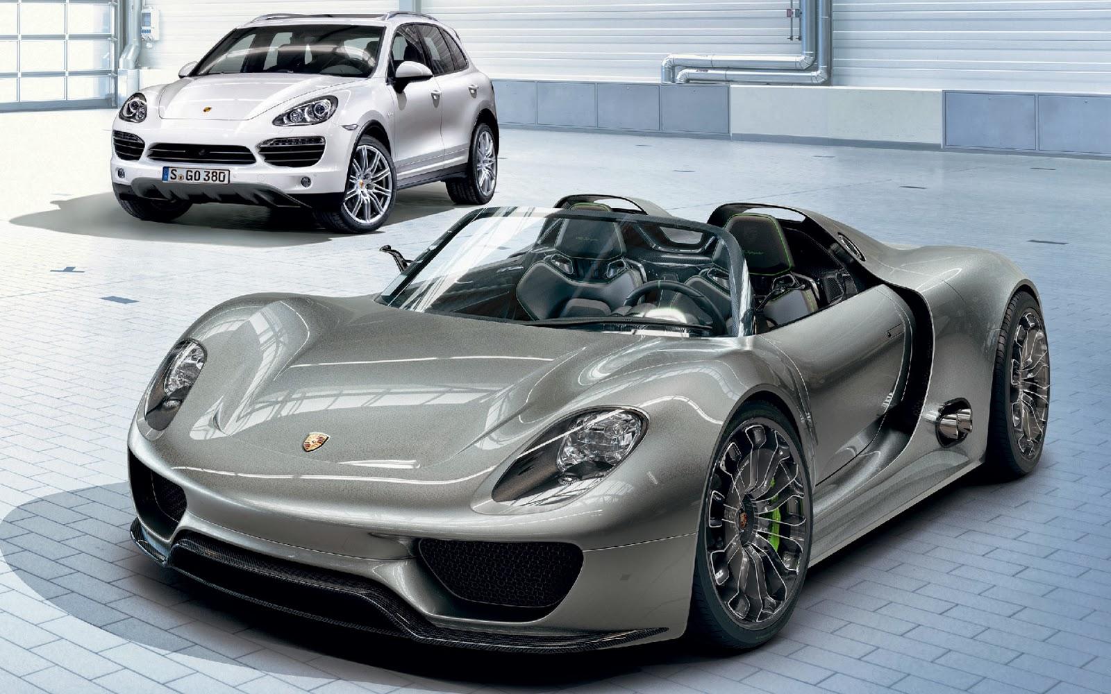 Porsche 918 Spyder Celebrates Its World Debut