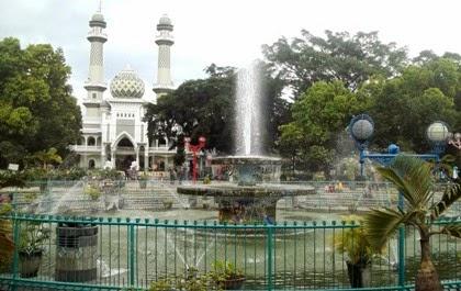 lokasi tempat wisata alun-alun kota malang