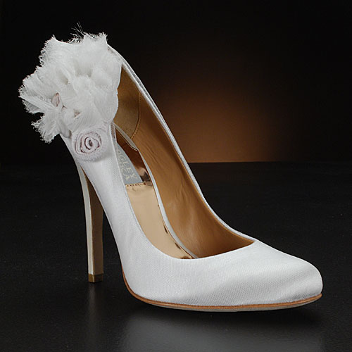 A Wedding Addict: Cinderella White Wedding Shoes