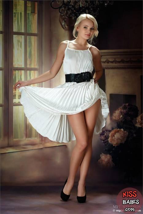 в белом платье эро фото