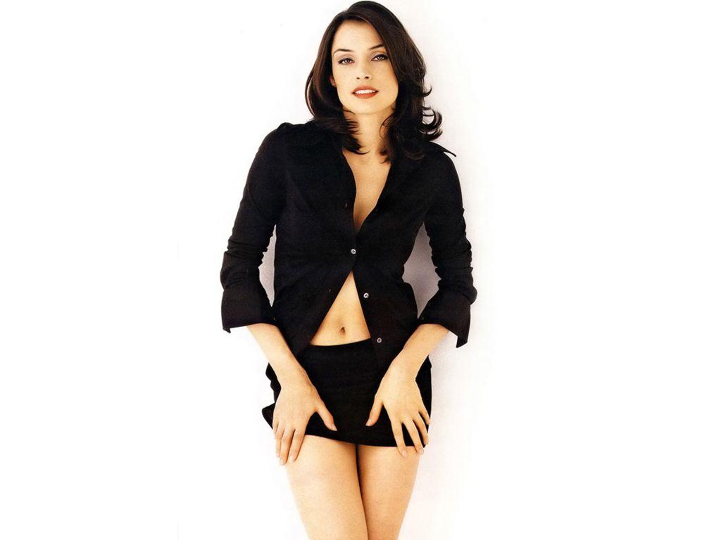 http://1.bp.blogspot.com/--mSoIcN4-oI/TywgX6AOKiI/AAAAAAAADTA/dKJcdzRyHJg/s1600/Famke-Janssen-in-skirt.JPG