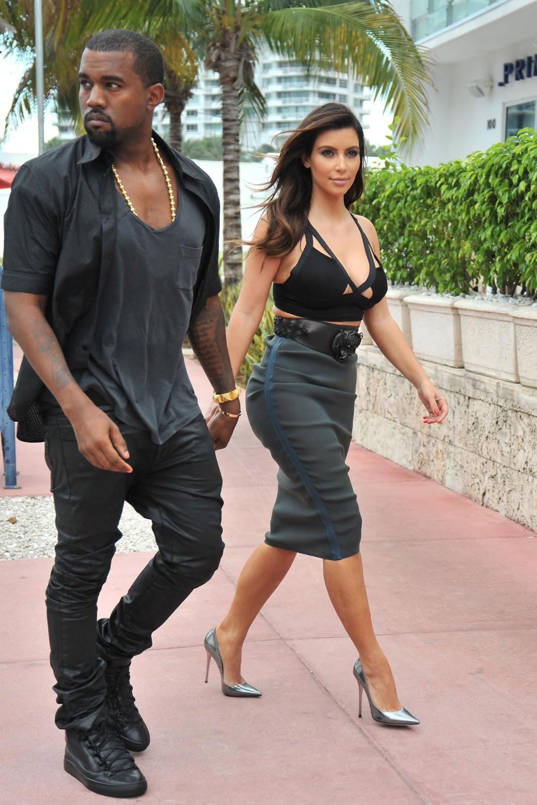 http://1.bp.blogspot.com/--mYxnQvIbto/UHxKuAh7N2I/AAAAAAAAJeo/2ATT4WyR0rM/s1600/Kim-Kardashian-132.jpg