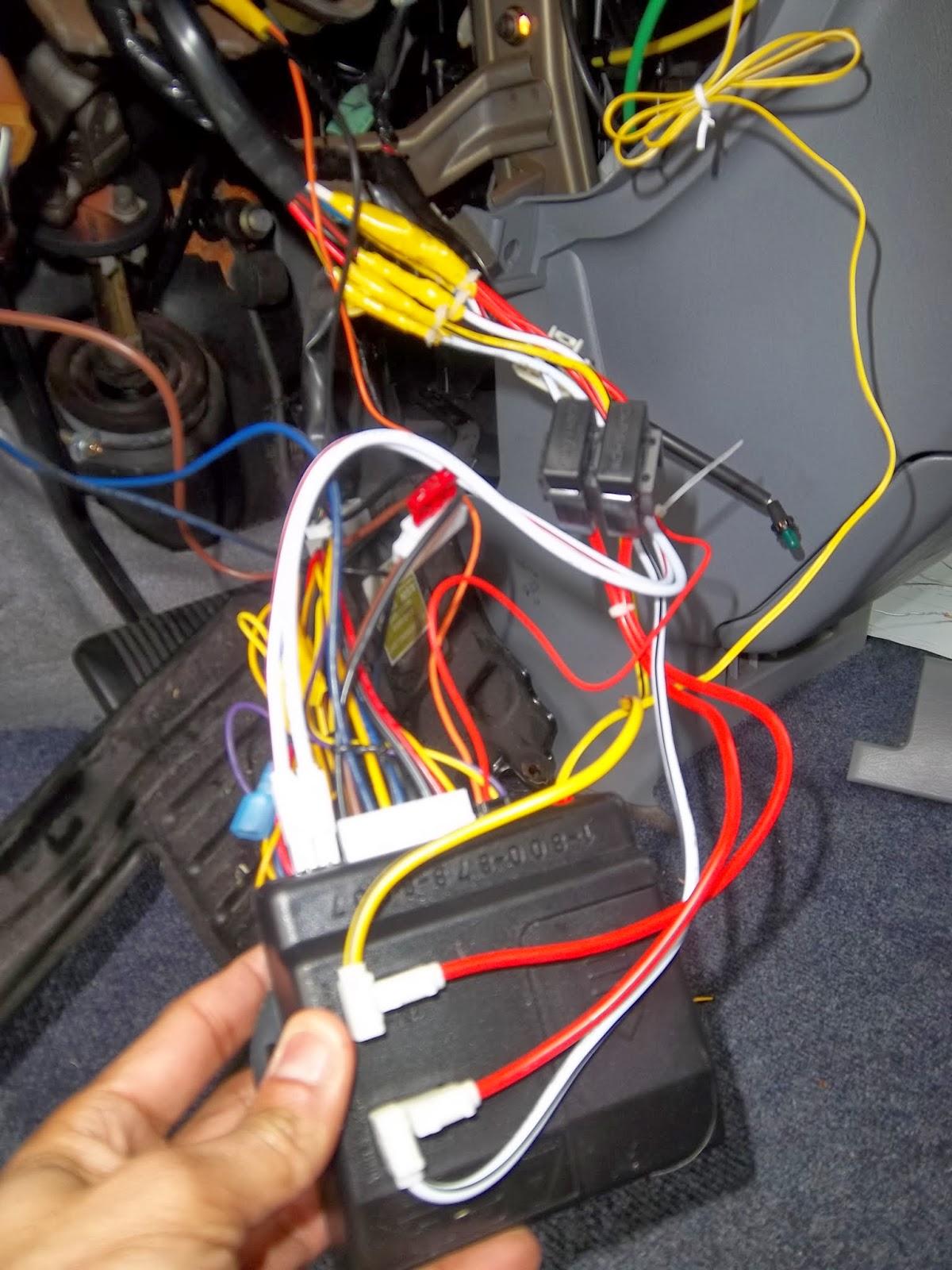 Installing Bulldog RS82B Remote Starter on 2002 Toyota Sienna | HEP Life