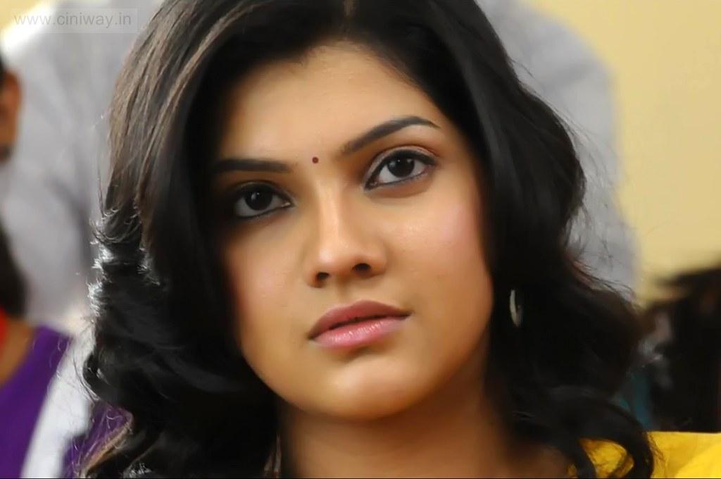 Udhayam-NH4-Heroine-Ashrita-Shetty-Stills