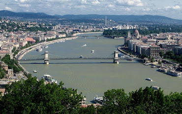 #10 Budapest Wallpaper