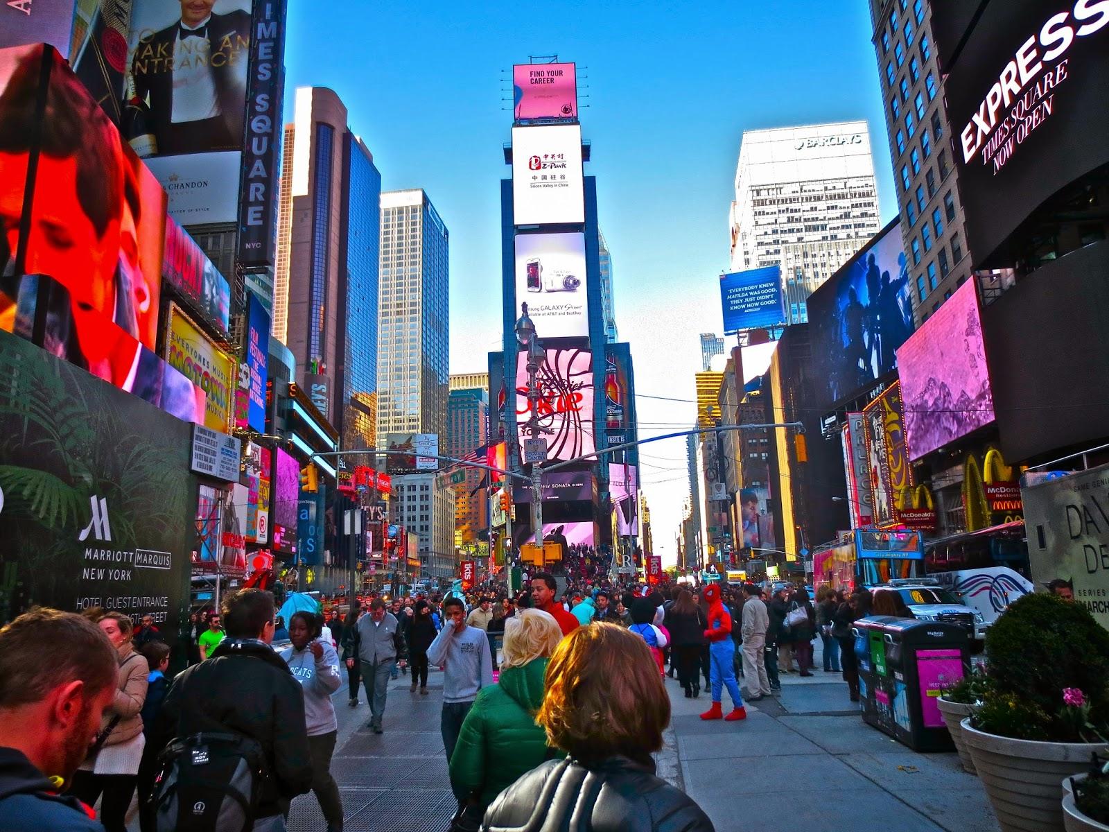 ART SKOOL DAMAGE Christian Montone Times Square 2014