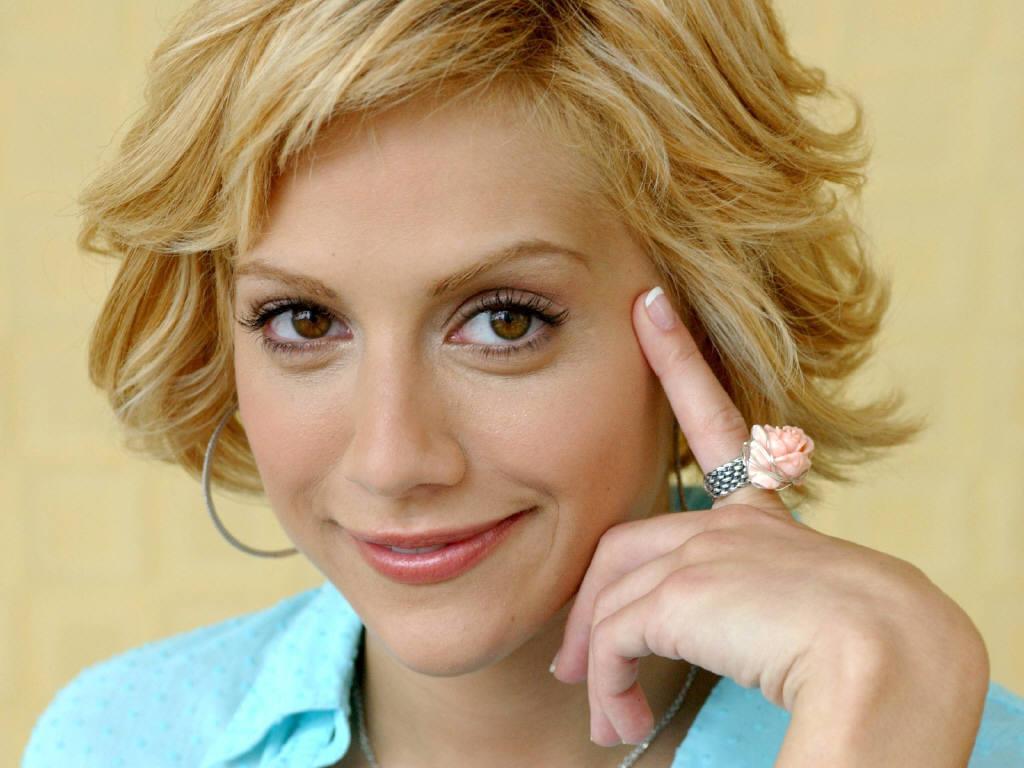 http://1.bp.blogspot.com/--nUMXbr_zmE/TvDx6Nv9bVI/AAAAAAAAB4g/bcxVSYufRV4/s1600/Brittany-Murphy-99.JPG