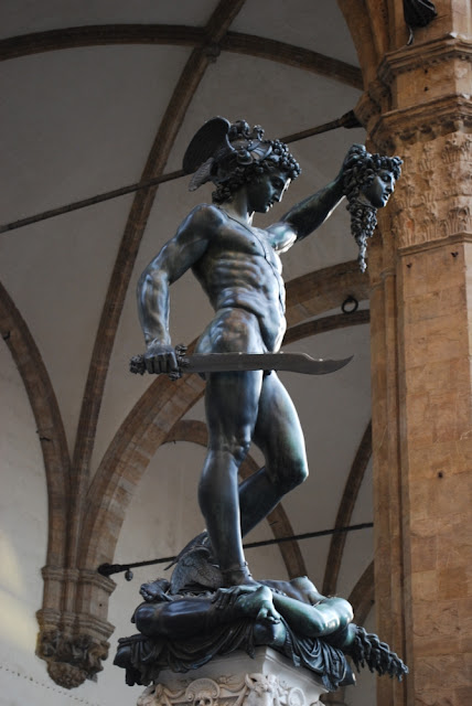 Perseus vor Loggia dei Lanzo