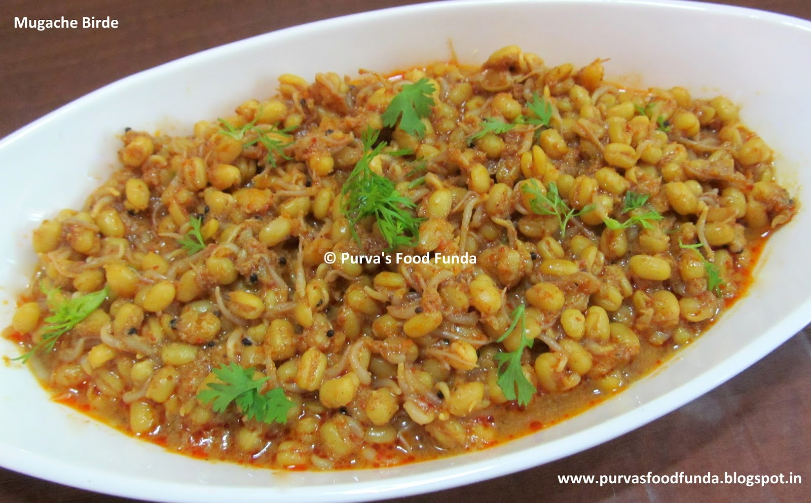 Food funda mugache birdebhirde maharashtrian style sprouted mugache birdebhirde maharashtrian style sprouted peeled moong curry forumfinder Images