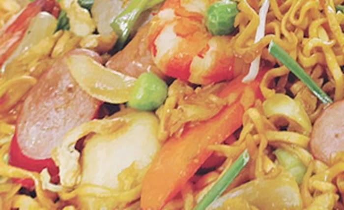Kebiasaan Makan Orang Indonesia yang Terkesan Paling Aneh di Dunia