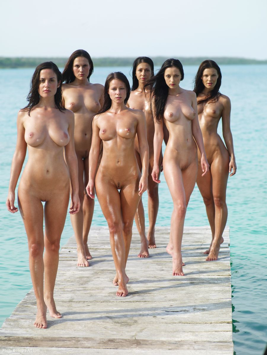 naked babes arses lined up