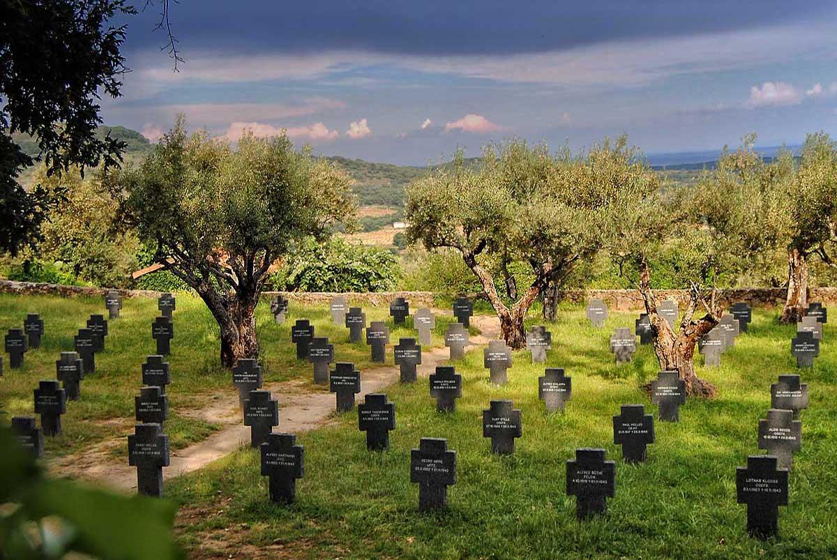 Return to the monastery. - Página 3 Villa_02107_Cementerio_Militar_Aleman