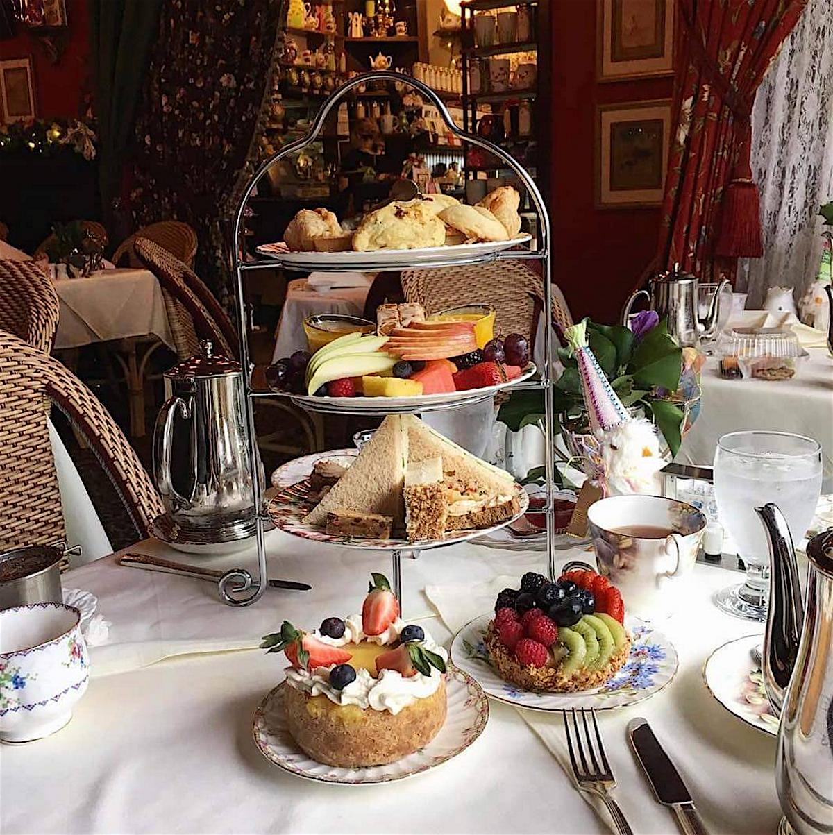 Tea Travellers Societea: THE QUEEN MARY TEA ROOM & RESTAURANT