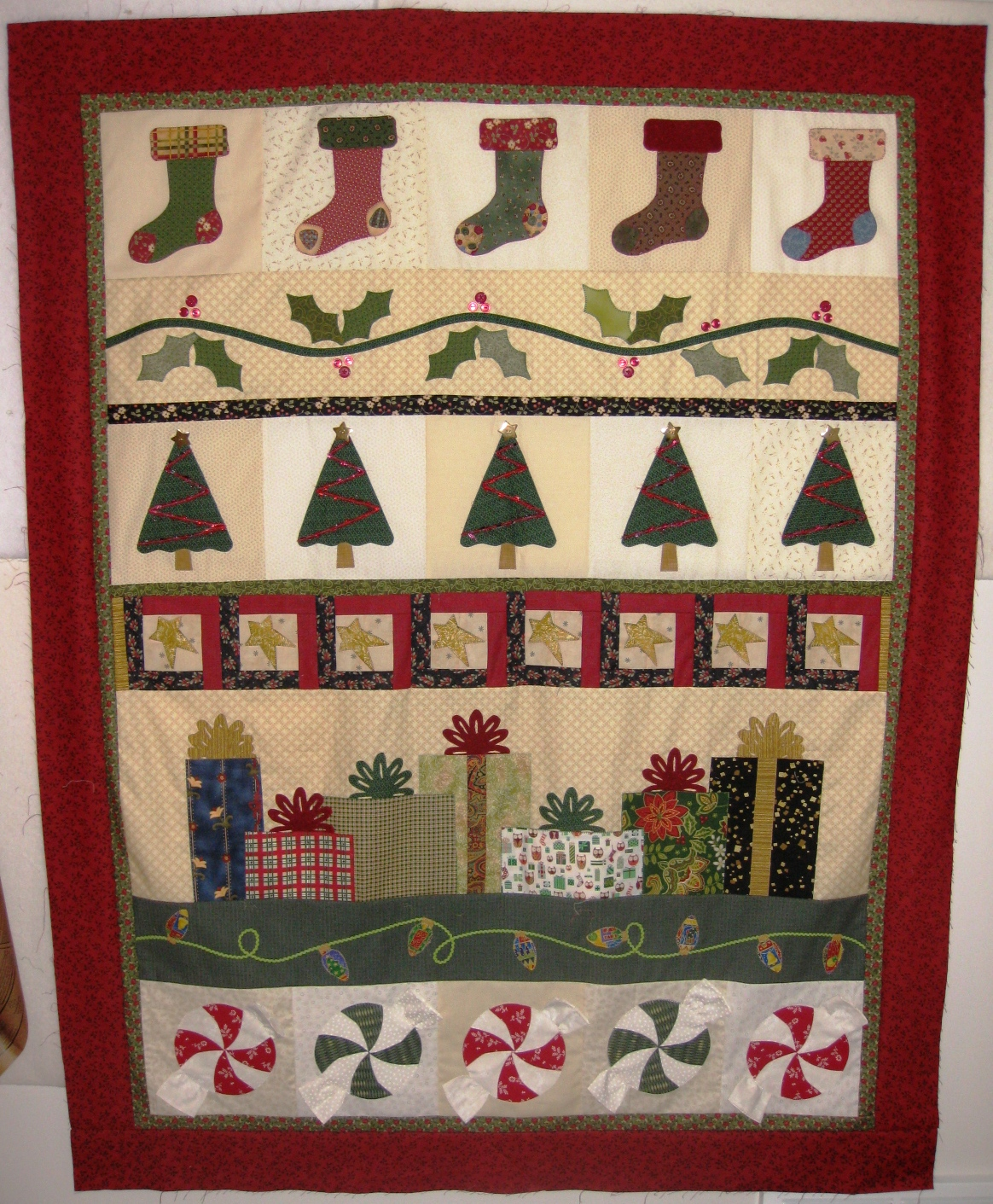 Pieced Brain Christmas Row Quilt