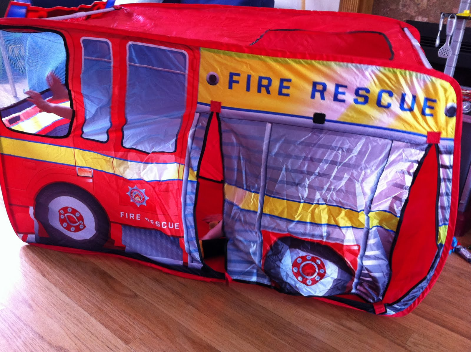 Chad Valley Fire Engine Play Tent & Sandy Calico Reviews: Chad Valley Fire Engine Play Tent