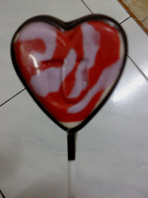 Choco Dark Milk Love Shape Lollipop