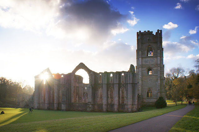 Fountains Abbey - Britain's largest monastic ruin and most complete Cistercian abbey, built over 900 years ago - pretty impressive!