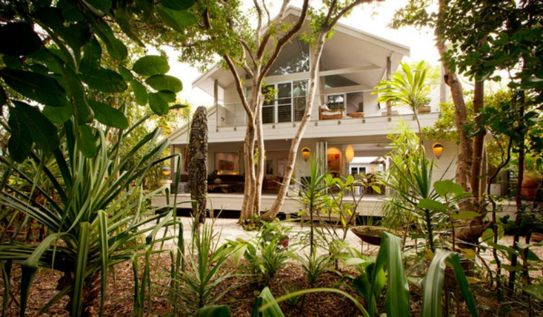 Coastal, tro[pical paradise vacation home