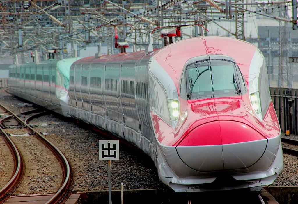 Primeiro comboio de alta velocidade