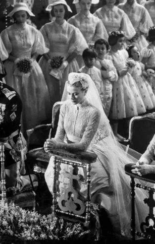 Princess Grace Wedding Ring 96 Fabulous Grace Kelly prays before