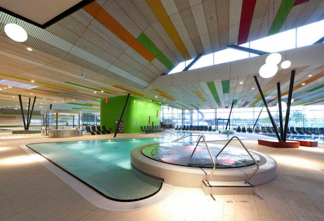 08-Fellbach-Family-and-Recreational-Baths-by-4a-Architekten