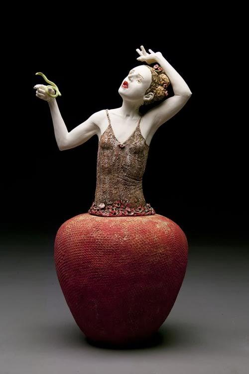 Kirsten Stingle esculturas sombrias inquietantes surreais