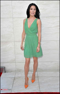 "Jaime Murray Pictures in Print Dress at ""Dexter"" Season 8 Premiere"
