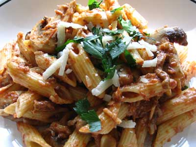 Penne with Indian-Style Tomato Sauce together with Mushrooms