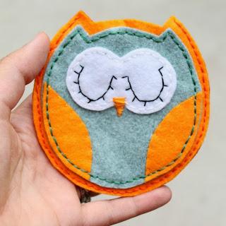 felt+owl+pouch+2.jpg