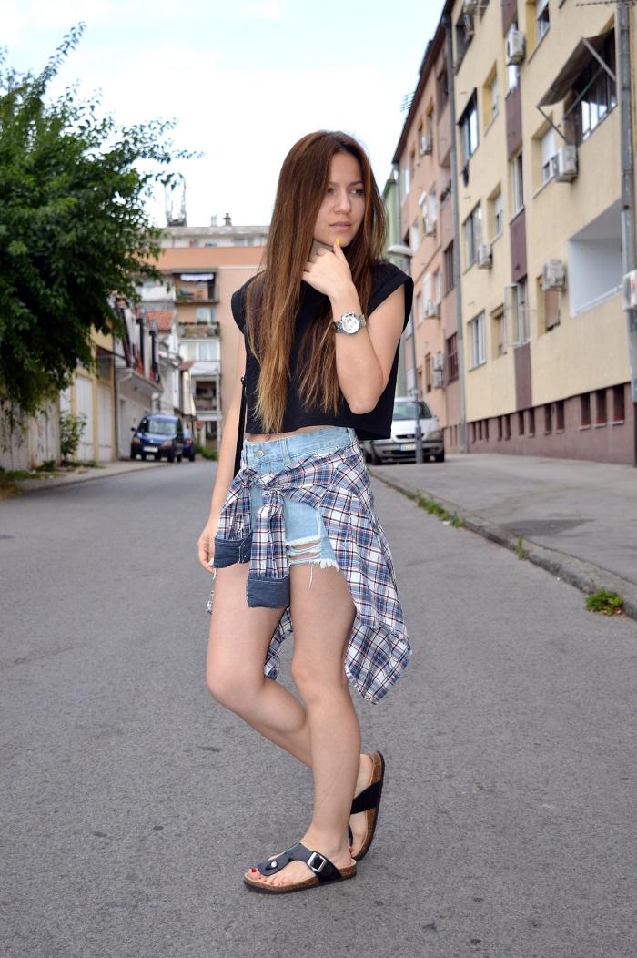outfit, birkenstock sandals shoes, black birkenstock sandals, styling birkenstock sandals shoes, denim cutoffs, blue plaid shirt, black crop top