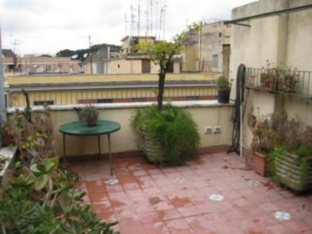 Case roma blog attico in affitto roma san giovanni for Affitto uso ufficio roma san giovanni