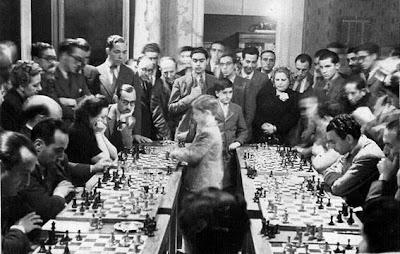 Simultáneas de ajedrez de Arturito Pomar en Barcelona, 1943