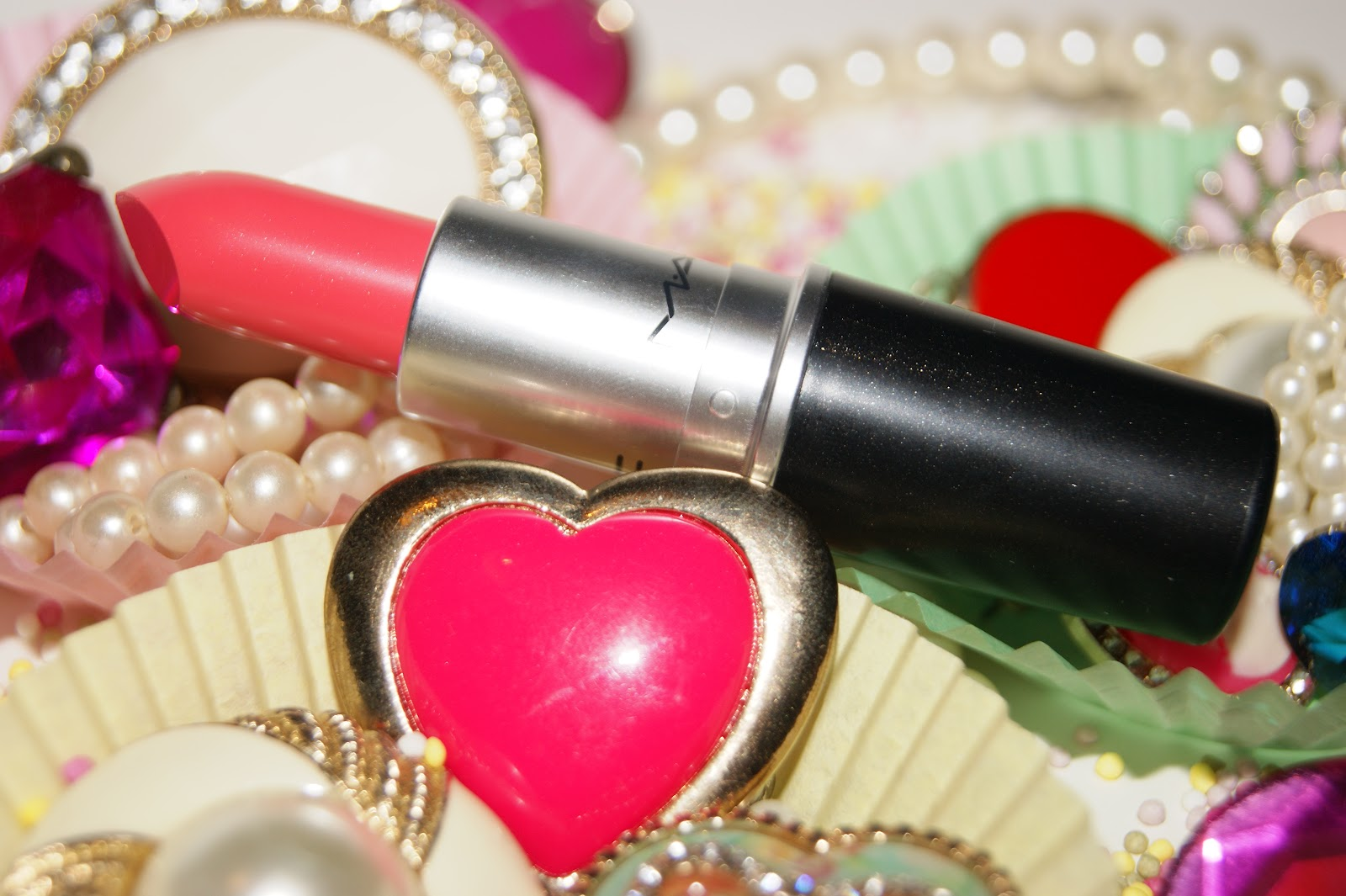 Mac Watch Me Simmer Lipstick - Review | The Sunday Girl