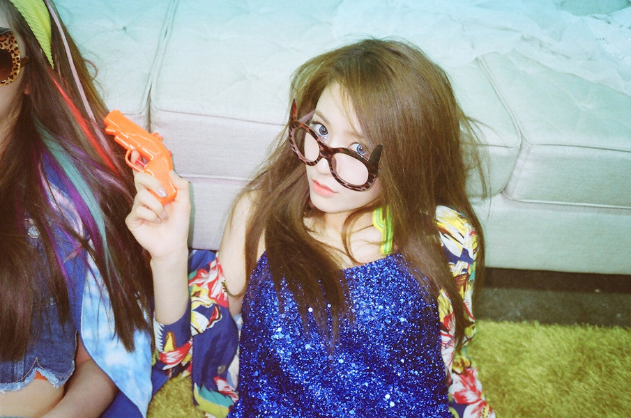 Dhictator Blog's: f(x) - Electric Shock [Photo] F(x) Electric Shock