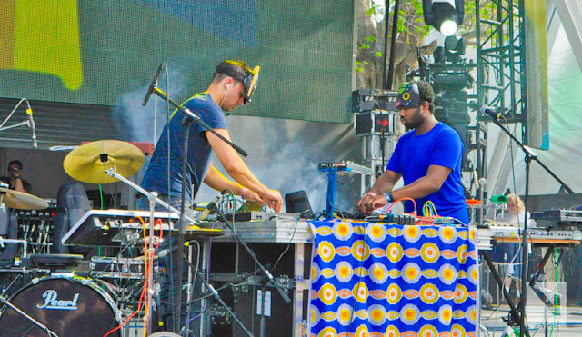 "DSC0966 SBTRKT   ""Live @ Ultra 2012"" / ""Hold On"" (VTT Photos / Official Music Video)"