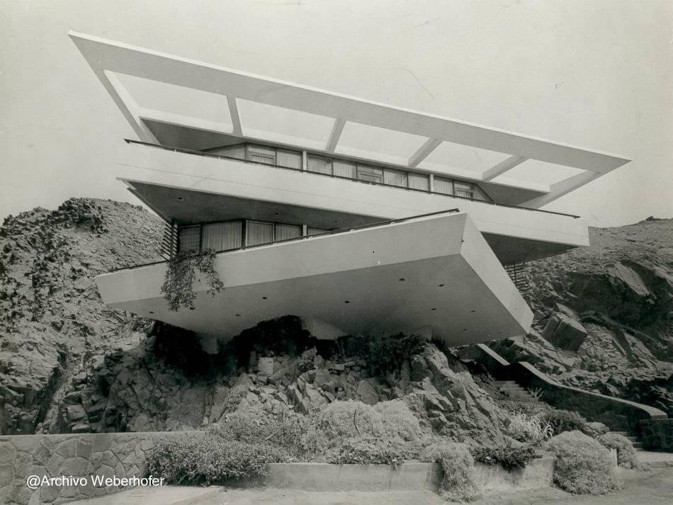 Residencia de estilo arquitect nico moderno volada en for Casa moderna 44 belvedere