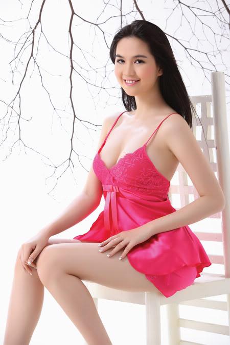 Ảnh gái đẹp HD Ngọc Trinh khoe thân 9