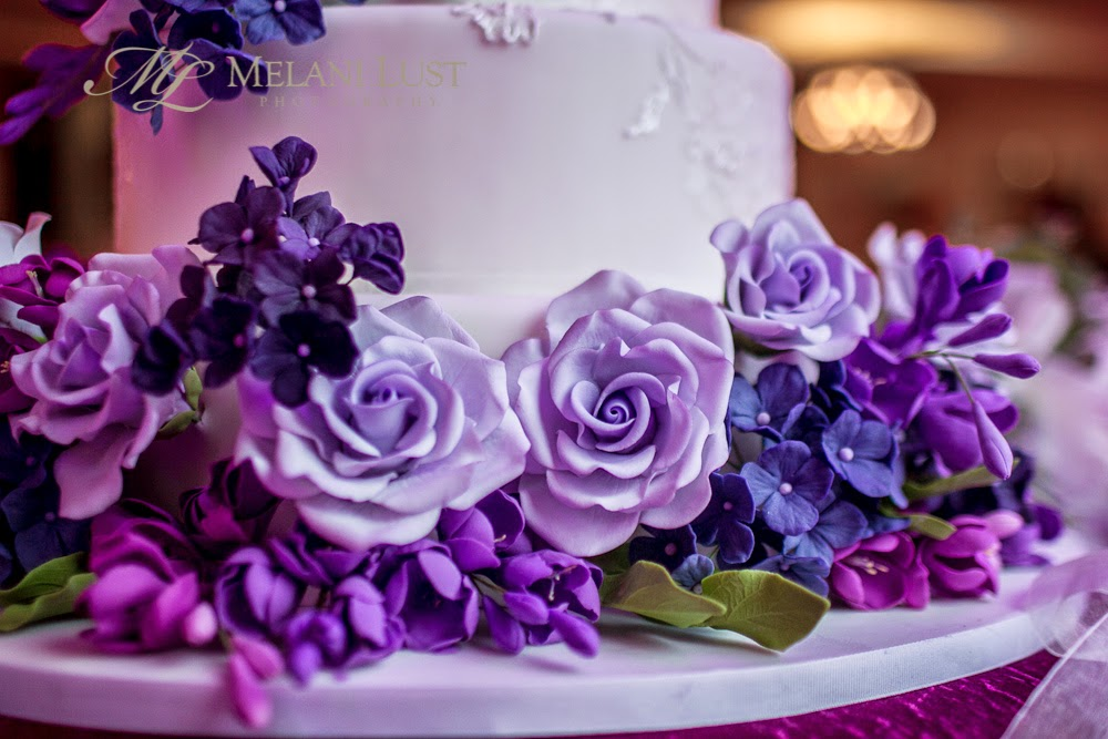 white and purple ct wedding cake