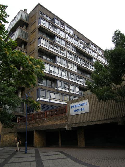 Perronet House, Elephant & Castle, image via tubewalker.com