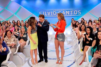Patricia brinca com Silvio e impede o pai de abraçar Lívia Andrade (Crédito: Lourival Ribeiro/SBT)