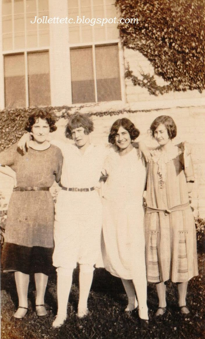 June 1925 Velma Davis, Thelma Hockman, Leta LeVow