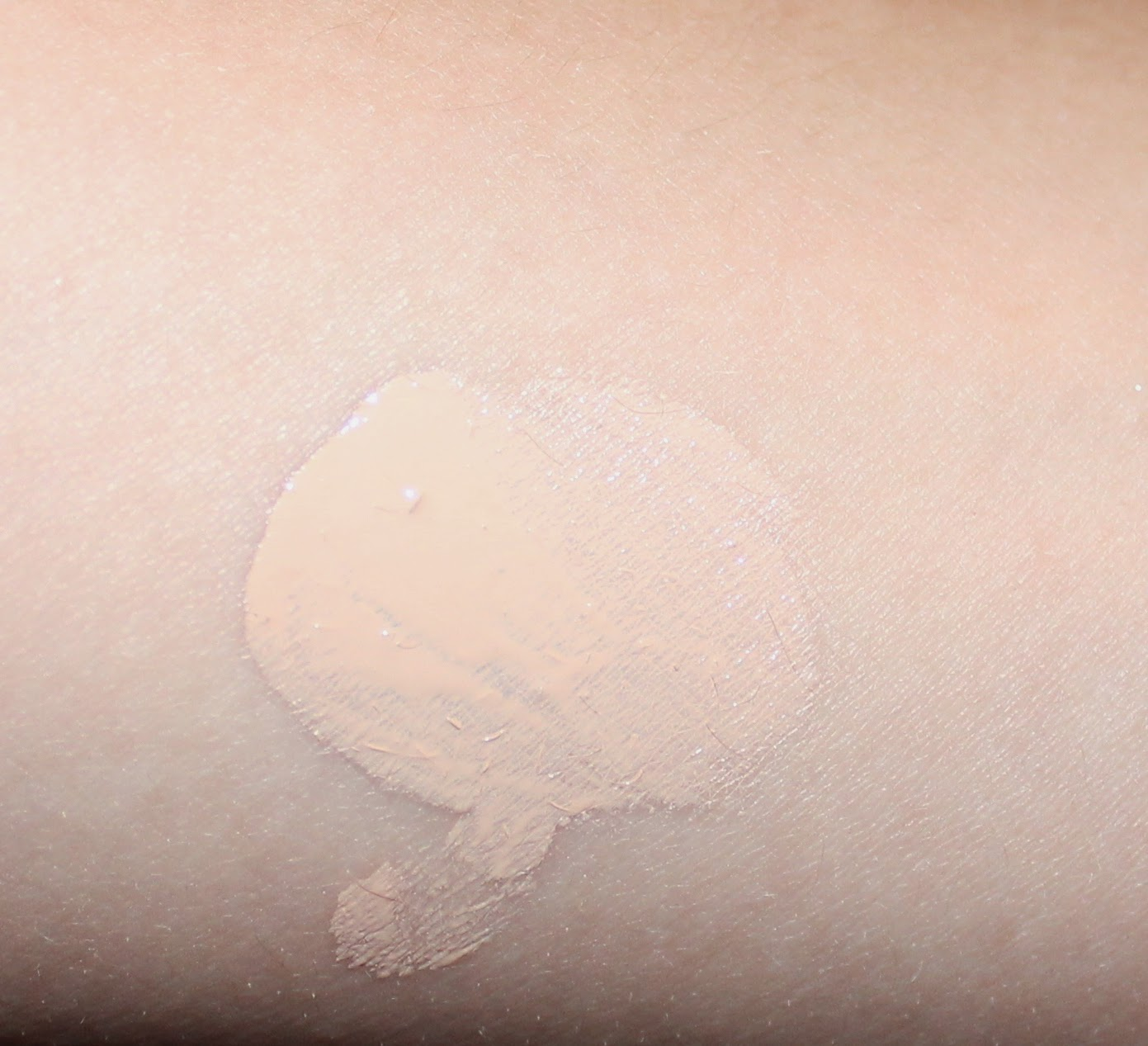 Maybelline Dream Wonder Liquid Touch Foundation Swatch