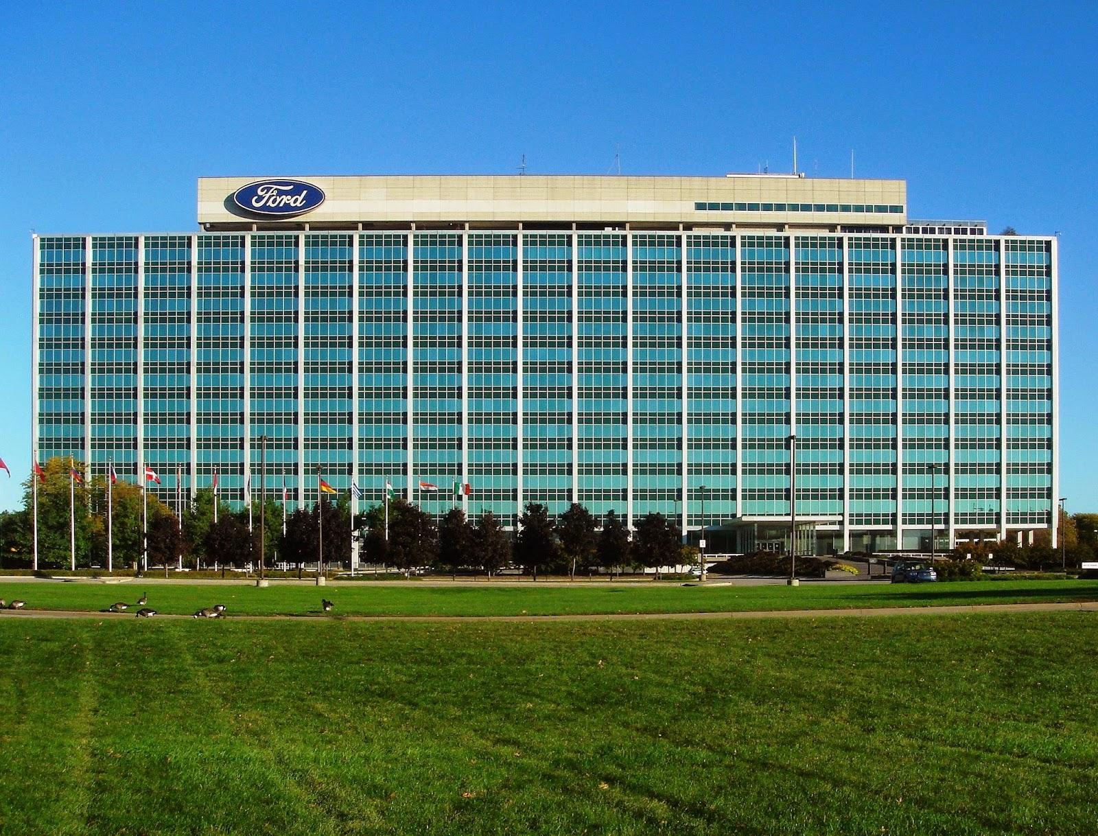 Perusahaan Ford Motor membayar mahal CEO nya