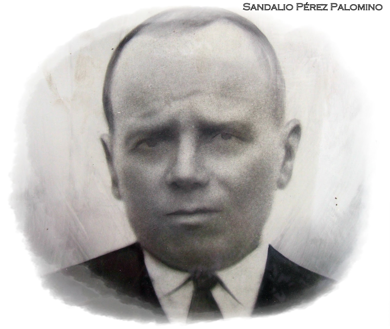 Nació en Fuente Álamo, el día 3 de septiembre de 1872, hijo de Gabino Pérez García y María Palomino Mesa, casado con Antonia Vera Castillo, padre de seis ... - retrato%2BSandalio