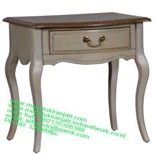 Mebel jepara mebel jati jepara mebel jati ukiran jepara nakas jati ukir klasik cat duco classic furniture jati jepara code NKSJ 124 NAKAS KLASIK CAT DUCO