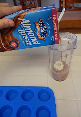 Almond%2BBreeze%2BAlmondmilk%2BMilk%2BFrozen%2BProtein%2BBites%2BEggface%2BSummer%2BRecipe%2B2 Weight Loss Recipes Easy as Breeze: Frozen Chocolate Monkey Treats