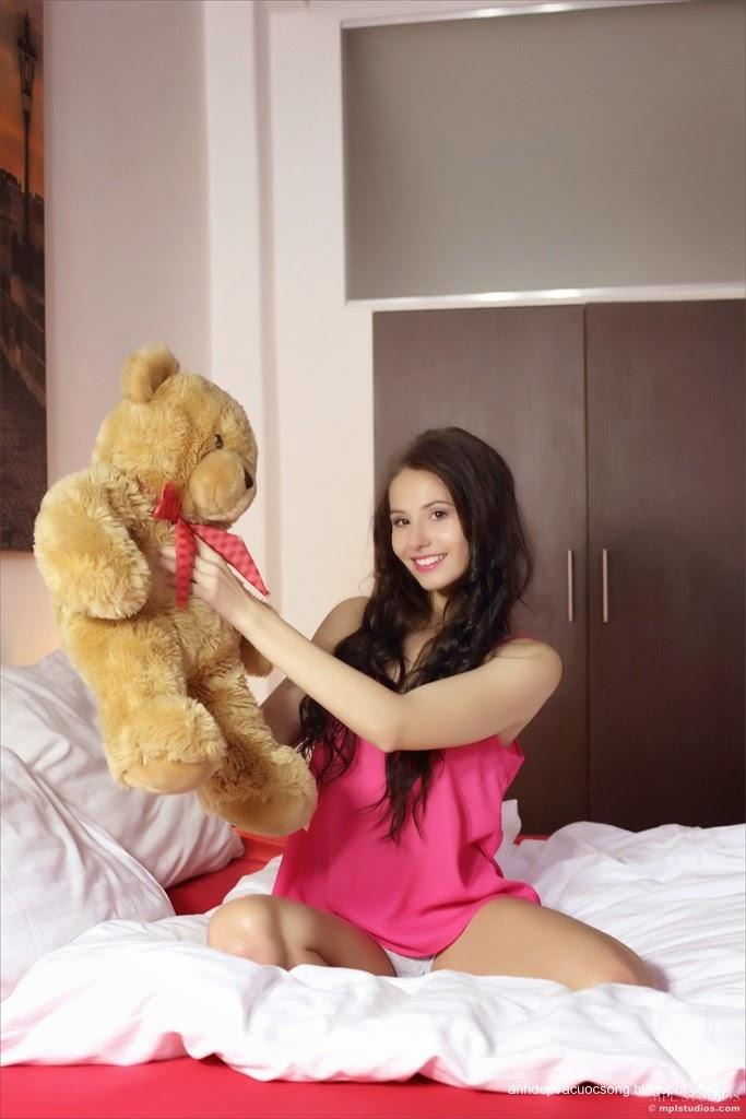 Người đẹp yêu thích gấu bông 6