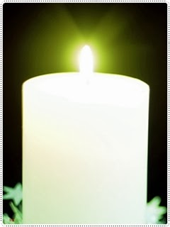 White Candle Xmas Wallpaper