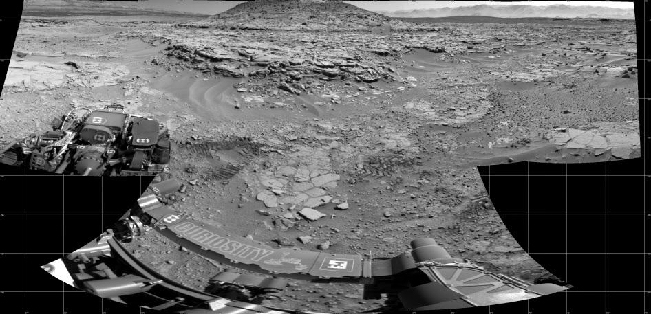 Холм Mount Remarkable ит его окрестности, снятый камерой марсохода Curiosity