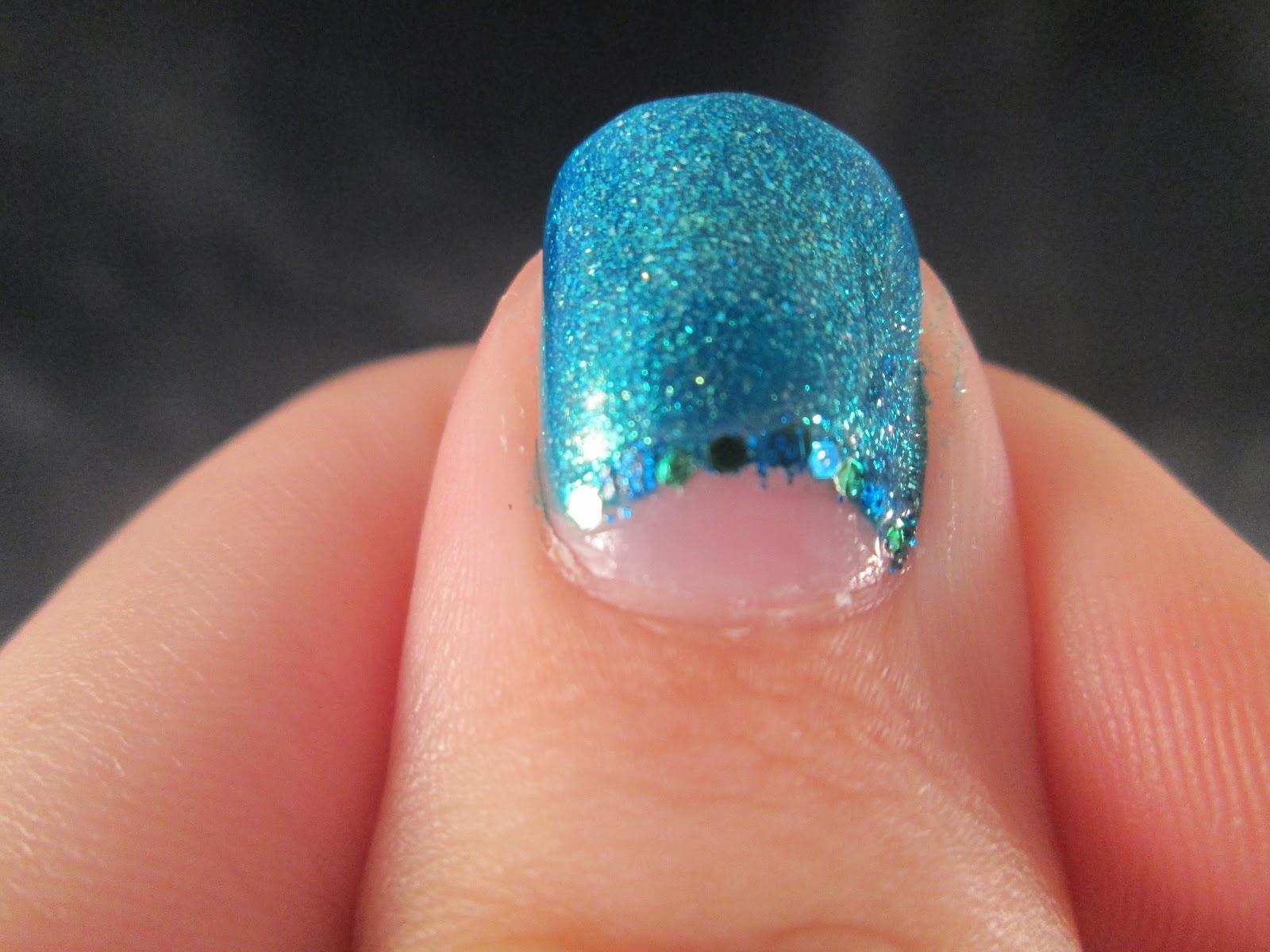 PiggieLuv: Green hex glitter nail art